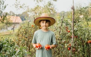 5 Ways to Get Your Kids Interested in Gardening