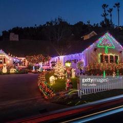 Tigard Holiday Lights Walk Avon/87th/Hamlet and more