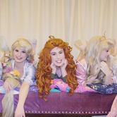 Sleeping Beauty's PJ Party with Friends : Elsa and Anna