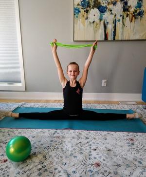 Online Rhythmic Gymnastic Beginner Classes!
