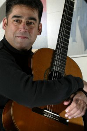 LATIN FREEDOM, LATIN DELIGHTS with Alexander Dunn on guitar