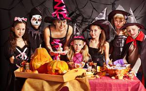 How to Throw a Haunted Halloween Party for Kids