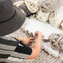 We are KNOT Kidding! Chunky Knit Blanket Workshop!
