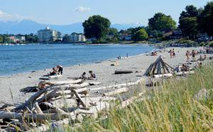 11 Beaches in Greater Victoria Perfect For Kids & Families