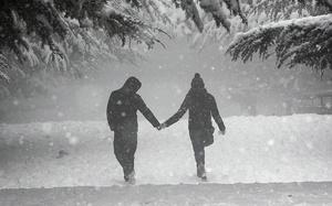 No Kids Allowed: 10 Romantic Winter Date Ideas