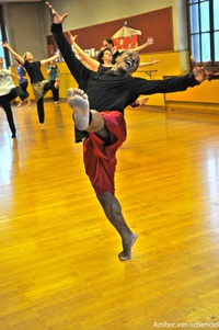 African traditional & contemporary dance performance workshop/Merlin Nyakam