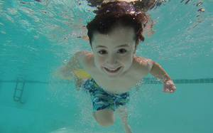 3 Tips While Teaching Your Child to Swim