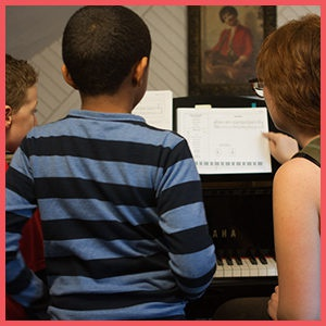 SUMMER MUSIC MOVES FOR PIANO