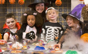 Halloween Party Planner: How to Scare the Pants Off Your Kids