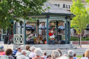 Music in the Plaza at Heritage Park