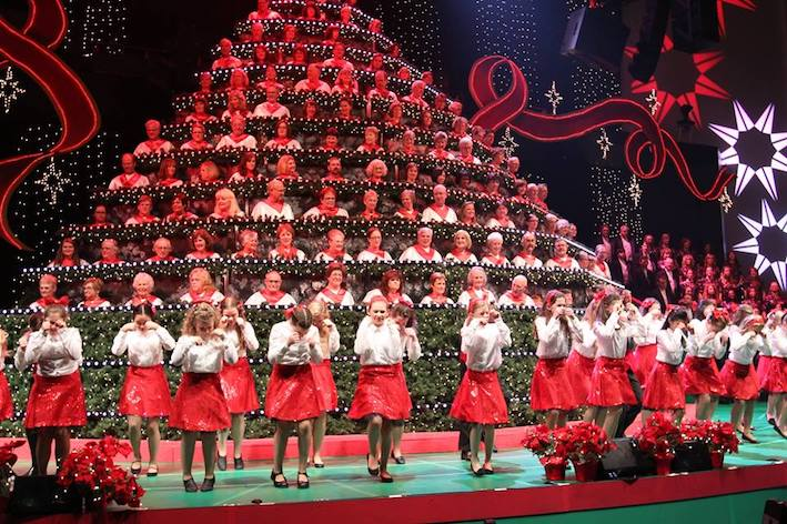 Singing Christmas Tree Portland.Christmas Events In The Portland Area