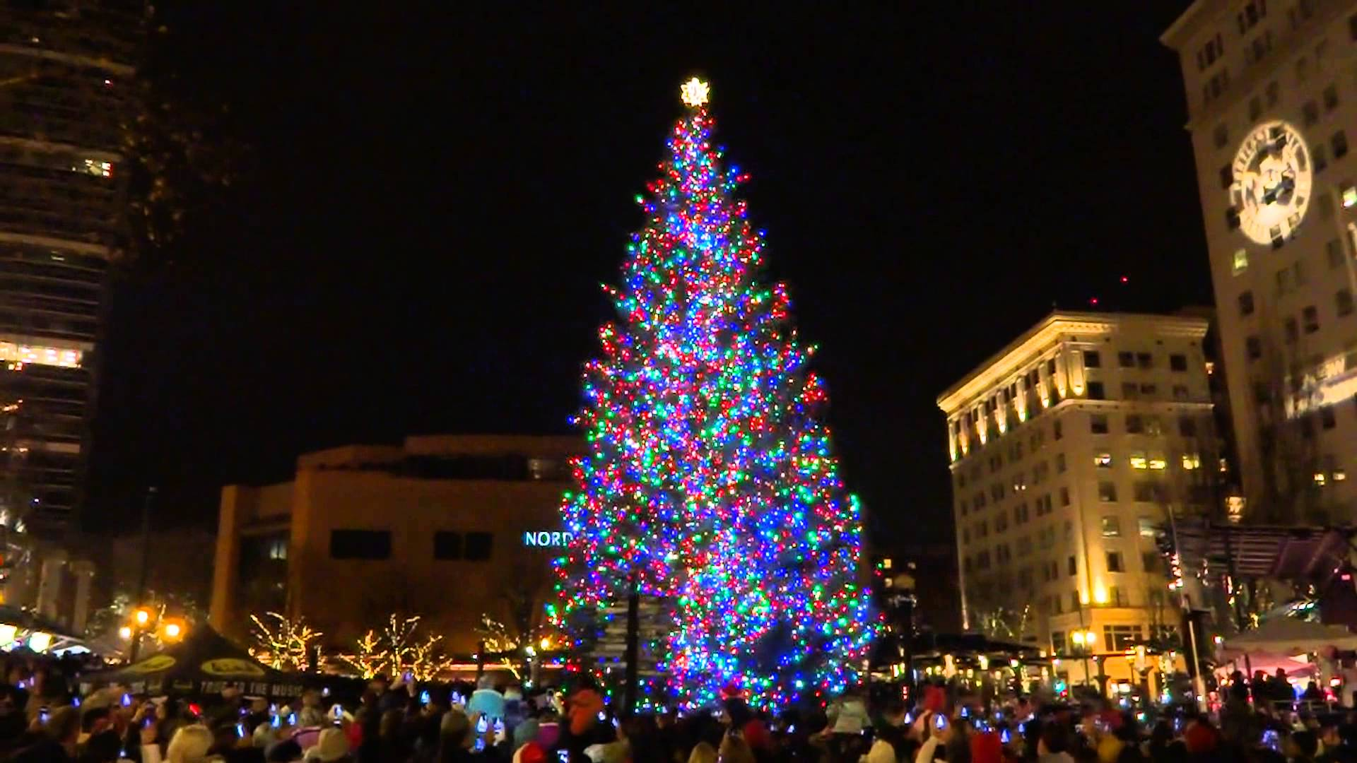Portland Maine Christmas.Holiday Tree Lighting At Pioneer Courthouse Square